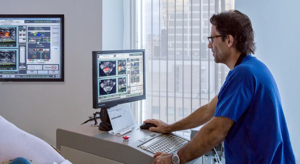 Dr. Finelli performing a non-invasive HIFU procedure to treat prostate cancer